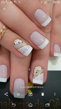 Novias Flower Nail Art, Square Nails, French Nails, White Nails, Manicure And Pedicure, Diy Nails, Beauty Nails, Pretty Nails, Hair And Nails