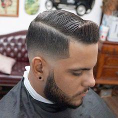 Haircut Names For Men, Haircuts For Men, Barber Haircuts, Famous Hairstyles, Hairstyles Haircuts, Low Skin Fade Haircut, Hair And Beard Styles, Curly Hair Styles, Professional Hairstyles For Men