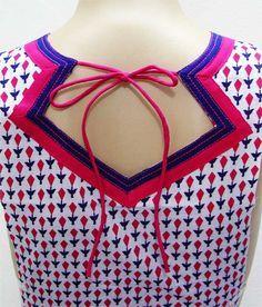 Back neck design. Chudidhar Neck Designs, Neck Designs For Suits, Neckline Designs, Dress Neck Designs, Fancy Blouse Designs, Saree Blouse Designs, Sleeve Designs, Salwar Neck Patterns, Salwar Neck Designs