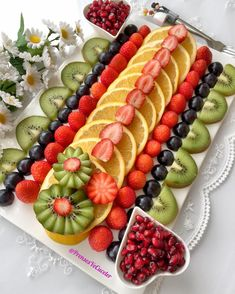 No photo description available. Fruit Buffet, Fruit Dishes, Party Food Platters, Food Trays, Fruit Trays, Fruit Plate, Fruit Art, Fruit Salad Recipes, Dessert Recipes