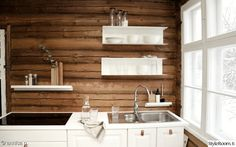 keittiö,keittiö sisustus Cabin Interior Design, House Design, Cabin Kitchens, Country Kitchens, Small Log Cabin, Wooden Decor, Kitchenette, House In The Woods, Cabin Interiors