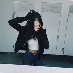 Read · Madison Beer · from the story icons ;Ô mulher gostosa es. Casual Outfits, Cute Outfits, Photo Instagram, Tumblr Girls, Fashion Killa, Look Cool, Swagg, Well Dressed, Passion For Fashion