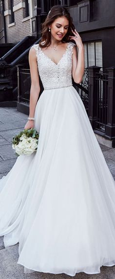 30 Simple Wedding Dresses For Elegant Brides | Beauty | Pinterest ...