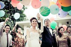 Top 10 Wedding Photos from Around the world.