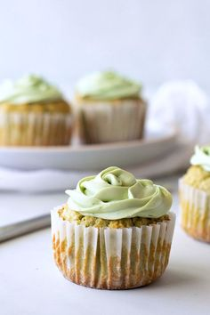 Keto Matcha Cupcake Recipe with Matcha Cream Cheese Frosting - Green Tea Dessert that is sweetened with stevia Matcha Cupcakes, Green Tea Cupcakes, Green Tea Dessert, Matcha Dessert, Keto Cupcakes, Desserts For A Crowd, Best Dessert Recipes, Cupcake Recipes, Easy Desserts
