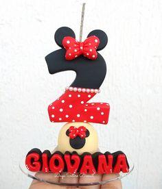 "95 Me gusta, 1 comentarios - Dayane Satiro - Araçatuba/SP (@dayasatiro_biscuit) en Instagram: ""Velinha minnie vermelha ♥️ . . . . . . . #festas #festainfantil #festaminnie #minnievermelha…"" Minnie Mouse, Biscuits, Disney Characters, Instagram, Kids Part, Cold Porcelain, Cold Pasta, Personalized Candles, Ornaments"