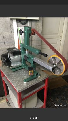 Welding Gear, Welding Projects, Easy Projects, Blacksmith Tools, Lathe Tools, Metal Working Tools, Metal Tools, 2x72 Belt Grinder Plans, Knife Grinder