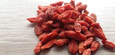 Goji berries is a super food blend that is useful for your health and wellness. Super Goji blast contains incredible nutrients. Many researchers and. Apple Benefits, Health Benefits, For Your Health, Health And Wellness, Types Of Berries, Decrease Appetite, Goji, Berry Juice, Raw Food Recipes