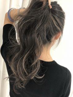 White Hair Highlights, Brown Hair Balayage, Ombre Hair, Light Hair, Dark Hair, Hair Goals Color, Korean Hair Color, Asian Short Hair, Hair Arrange