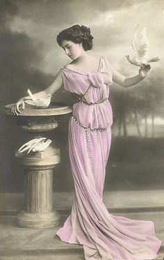 Magic Moonlight Free Images: French Ladies ! Free images for You!