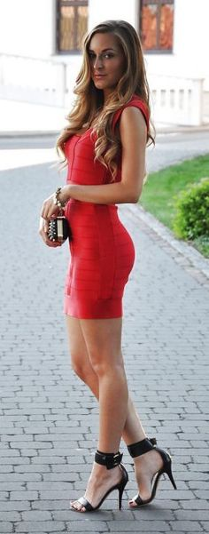 #summer #fashion / red bodycon dress