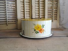 Vintage Cake Saver Cake Stand by TheCookieClutch on Etsy, $32.00