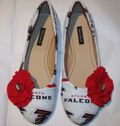 Atlanta Falcon ballet flats I'd ditch the flowers Falcons Gear, Falcons Football, Sports Lady, Sports Women, Atlanta Falcons Rise Up, Cute Shoes, Me Too Shoes, Home Team, Gaming