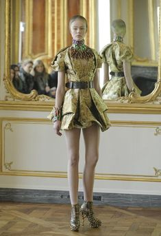 Lee Alexander McQueen's Final Collection For Fall 2010: All Angels and Demons Photo 1