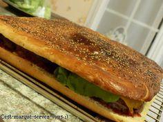 """Maxi burger - C'est marqué """"servez-vous"""" ;)"""