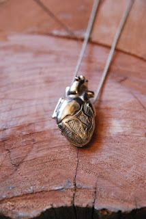 These lockets are anatomically correct. The locket is held shut by the trunk of the aorta, which acts as a snap. The chain attaches to the pendant through the superior vena cava and left pulmonary vein, causing the heart to hang slightly anterioinferiorly, just like our hearts! (tumblr)