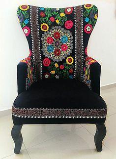 Hermoso sillón victoriano Suzani y terciopelo. Sillas vintage.