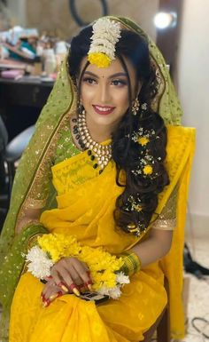 Indian Bridal Photos, Indian Bridal Fashion, Indian Fashion Dresses, Muslim Fashion, Desi Wedding Dresses, Pakistani Bridal Dresses, Bridal Lehenga, Saree Wedding, Hairstyles For Gowns
