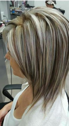 80 Bob Hairstyles To Give You All The Short Hair Inspiration - Hairstyles Trends Bob Haircuts For Women, Short Bob Haircuts, Bob Hairstyles, Trendy Hairstyles, Dark Brown Hair With Blonde Highlights, Hair Highlights, Short Hair With Layers, Short Hair Cuts, Medium Hair Styles
