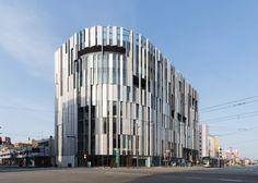 TOYAMA KIRARI © SS Arch Building, Building Facade, Kengo Kuma, Oita, Facade Architecture, Amazing Architecture, Japan Design, Facade Pattern, Metal Cladding