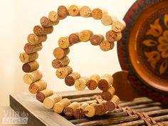 Tutorial Vila do Artesão - Letras para decorar usando rolhas