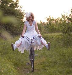 Fotografia de Noivas e Bicicletas