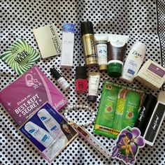 Beauty Bundle #10 You will get everything pictured.  There are full size items, sample items, as well a jewelry item. If you have any questions just ask.  Thanks for stopping by! Makeup