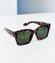 The Ideal Sunglasses Shape for Round Faces. Sunglasses OnlineCat  SunglassesSports SunglassesRay Ban ... f45643a50e