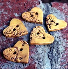 Make Your Own Polymer Clay Buttons. For adorning my knitting.