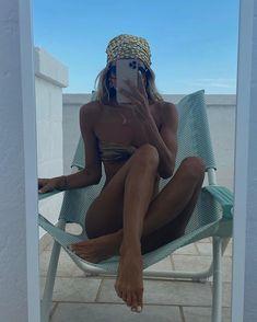 Summer Dream, Summer Girls, Mode Du Bikini, Foto Blog, Bikini Poses, Beach Poses, Insta Photo Ideas, Summer Aesthetic, Inspiring Photography