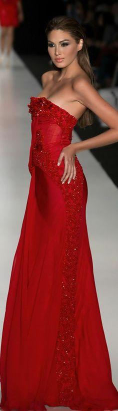 Tony Ward//Hermosa la venezolana, María Gabriela Isler con ese vestido del diseñador Tony Ward.