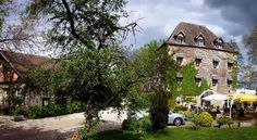Le Moulin D'Hauterive - Chateaux et Hotels Collection Saint-Gervais-en-Vallière Le Moulin D'Hauterive is located in Saint-Gervais-en-Valliere, 20 km from Beaune. It has an outdoor swimming pool, hot tub and hammam. Guests also have access to the tennis courts and sauna.