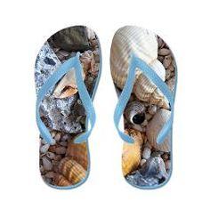 Flip-Flop Fanatic: Sea Shells Flip Flops: Collecting Sea Shells is a big part of my fun at the beach Beach Flip Flops, Flip Flop Sandals, Happy Shoes, Colorful Shoes, Beach Fun, Nautical Theme, Beach Themes, Flipping, Summer Fun