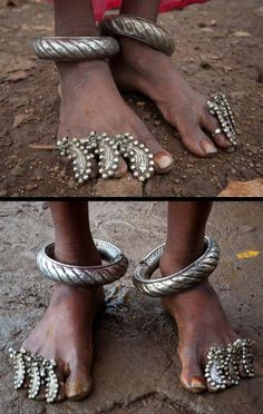 Marwadi tribal toe rings and leg ornament India Jewelry, African Jewelry, Tribal Jewelry, Jewelry Art, Antique Jewelry, Silver Jewelry, Fashion Jewelry, Jewelry Design, Silver Rings