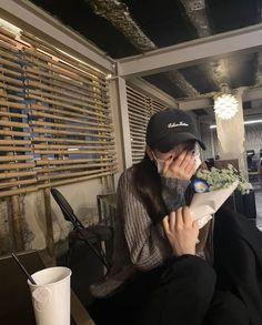 Korean Aesthetic, Couple Aesthetic, Aesthetic Photo, Aesthetic Girl, Ulzzang Korean Girl, Ulzzang Couple, Korean Girl Fashion, Ulzzang Fashion, Pretty Korean Girls