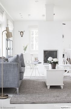 scandinavian - grey and white living room Greige, Living Room Decor Inspiration, Home Decor Bedroom, Home And Living, Living Room Furniture, Living Spaces, Interior Design, White Walls, Tired