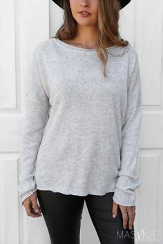 lexie knit in grey Knitted Fabric, Fashion Online, Jumper, Fitness Models, Pullover, Boutique, Knitting, Sweaters, How To Wear