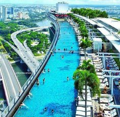 Marina Bay Sands - Singapore Hotel with Infinity Pool and SkyPark