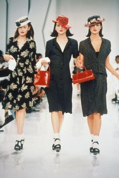 0260581 - FASHION: WOMEN, Models wearing styles from the DKNY spring collection at a fashion show. Historical Pictures, Donna Karan, Spring Collection, Supermodels, Peplum Dress, Fashion Show, Fall Winter, Spring Summer, How To Wear