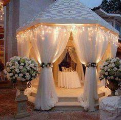 Gazebo all white wedding decor Wedding Guest Book, Diy Wedding, Dream Wedding, Wedding Day, Wedding Gazebo, Wedding White, Wedding Backyard, Perfect Wedding, Wedding Canopy