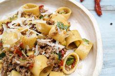 Calamarata mit Zucchini und Hackfleisch nach Carbonara Art - Cooking Italy - Food Blog