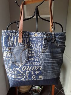 Mustard yellow and suedine croco leather patchwork tote bag grey with riveted cross black leather handles and pocket – Artofit Artisanats Denim, Denim Art, Denim Purse, Jean Purses, Diy Sac, Denim Ideas, Denim Crafts, Denim Patchwork, Recycled Denim