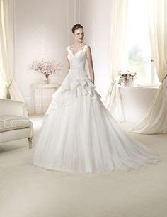 Brautkleid Delfina aus der White One Brautmoden Kollektion 2015 :: bridal dress from the 2015 collection by white one.