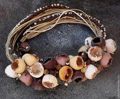 Collar < Botones florales