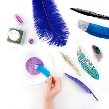 Glittering Feathers: Working with Feathers : Tips and Techniques from The Feather Place. #thefeatherplace #workingwithfeathers #feathers Visit our DIY Arts & Crafts Gallery or Shop Feathers: www.featherplace.com/idea-gallery