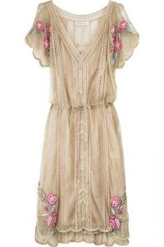 Matthew Williamson Lace pearl beaded dress  #lace #rose #dress