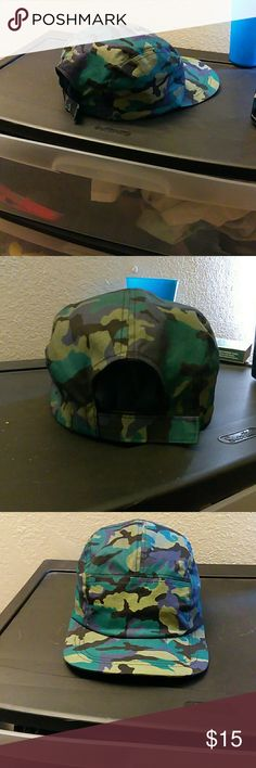 21 men camouflage camper hat In great condition and hardly worn, bought on poshmark brand new. Offers are okay just please don't low ball. Thanks! :) 21men Accessories Hats