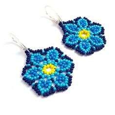 Blue seed bead flower earrings Floral beadwoven boho earrings Mexican huichol beaded jewelry Original beadwork gift for her Huichol style - Boucles d'oreilles - Seed Bead Earrings, Flower Earrings, Beaded Earrings, Seed Beads, Beaded Jewelry, Seed Bead Flowers, Beaded Flowers, I Love Jewelry, Metal Jewelry