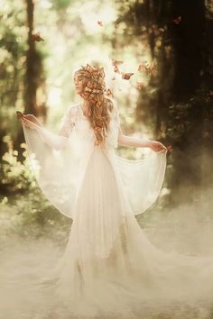 Fairy-tail anyone? Love this - its utterly stunning! By Three Nails Photography Three Nails Photography, Fantasy Photography, Portrait Photography, Photography Tips, Nature Photography, Wedding Photography, Foto Pose, Photoshoot Inspiration, Light In The Dark