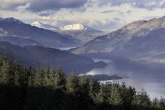 Hiking near Glasgow can mean anything from a stroll through a nearby country park to a trek up a magnificent munro overlooking Loch Lomond. Loch Lomond Scotland, Edinburgh Tours, Scotland Hiking, The Loch, Cairngorms, Small Group Tours, Scottish Highlands, Staycation, Landscape Photos